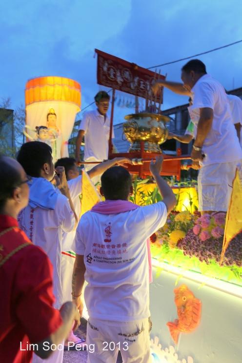 KuanYin Procession 122-001