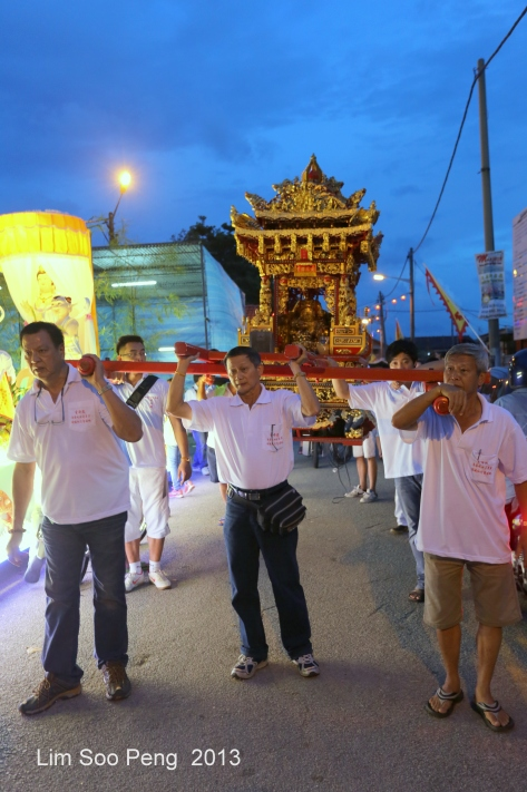 KuanYin Procession 143-001