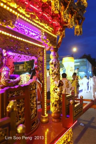 KuanYin Procession 164-001