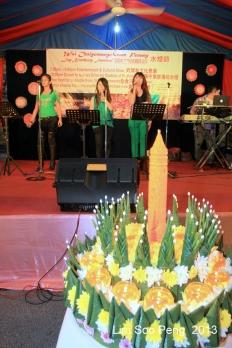 Loy Krathong 2013 025-001
