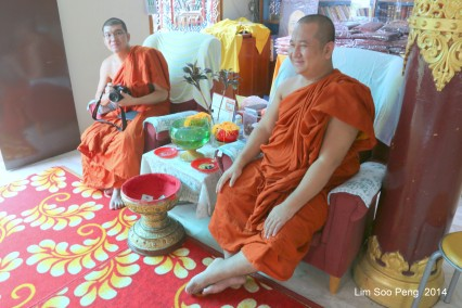 BurmeseTempleChief Bday 002-001