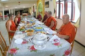 BurmeseTempleChief Bday 060-001