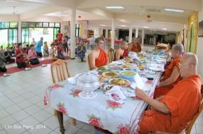 BurmeseTempleChief Bday 061-001