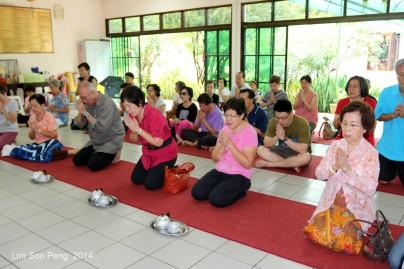 BurmeseTempleChief Bday 071-001