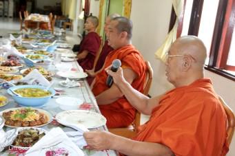 BurmeseTempleChief Bday 073-001