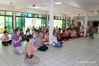BurmeseTempleChief Bday 076-001