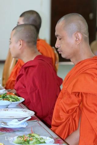 BurmeseTempleChief Bday 090-001