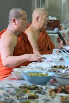 BurmeseTempleChief Bday 092-001