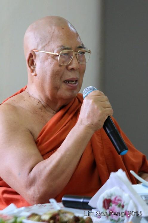 BurmeseTempleChief Bday 098-001