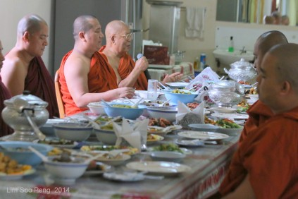 BurmeseTempleChief Bday 110-001