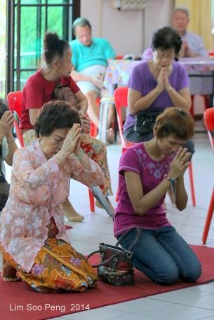 BurmeseTempleChief Bday 142-001