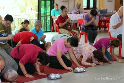 BurmeseTempleChief Bday 143-001