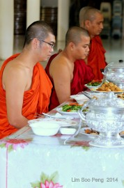 BurmeseTempleChief Bday 145-001