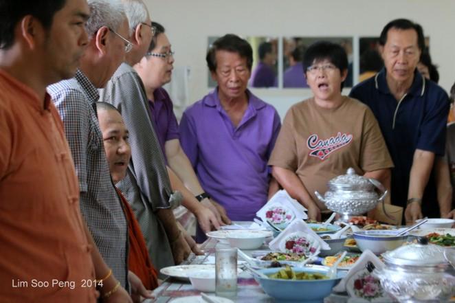 BurmeseTempleChief Bday 149-001