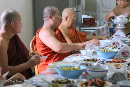 BurmeseTempleChief Bday 150-001