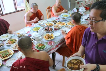 BurmeseTempleChief Bday 161-001
