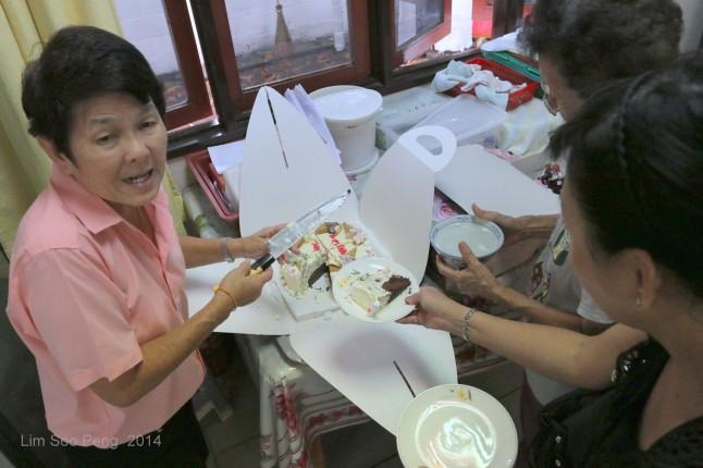 BurmeseTempleChief Bday 193-001