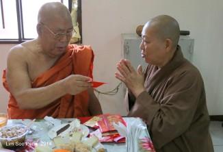 BurmeseTempleChief Bday 239-001