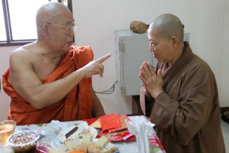 BurmeseTempleChief Bday 245-001