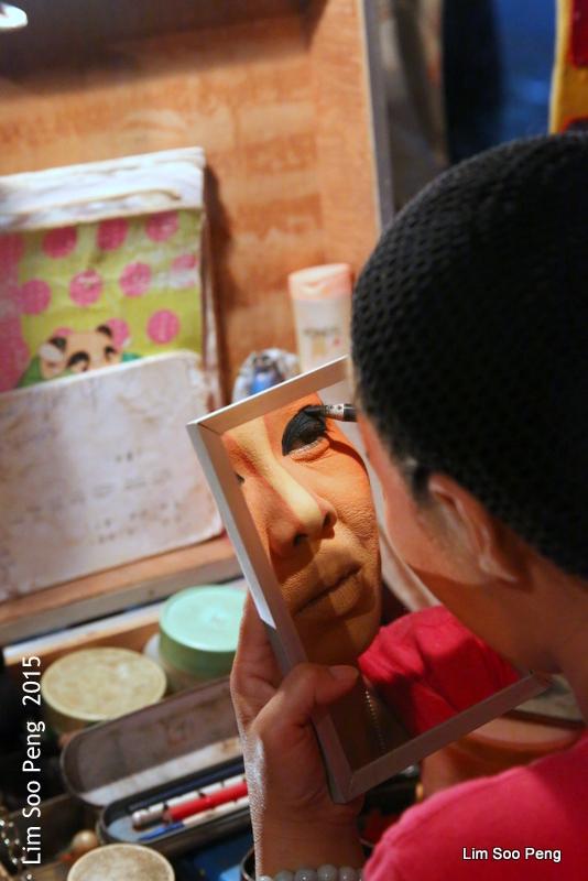 Make-up time at the Wayang (6/6)