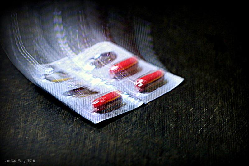 Pills 004