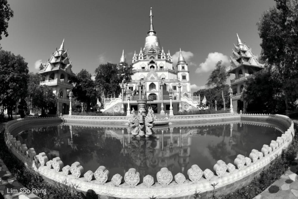Vietnamese Thai Wat