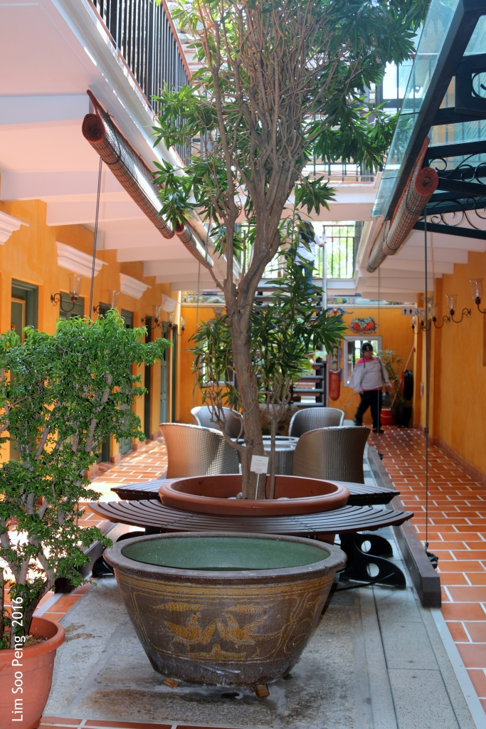 The Interior and Rooms of the Yeng Keng Heritage Hotel, Chulia Street, Penang