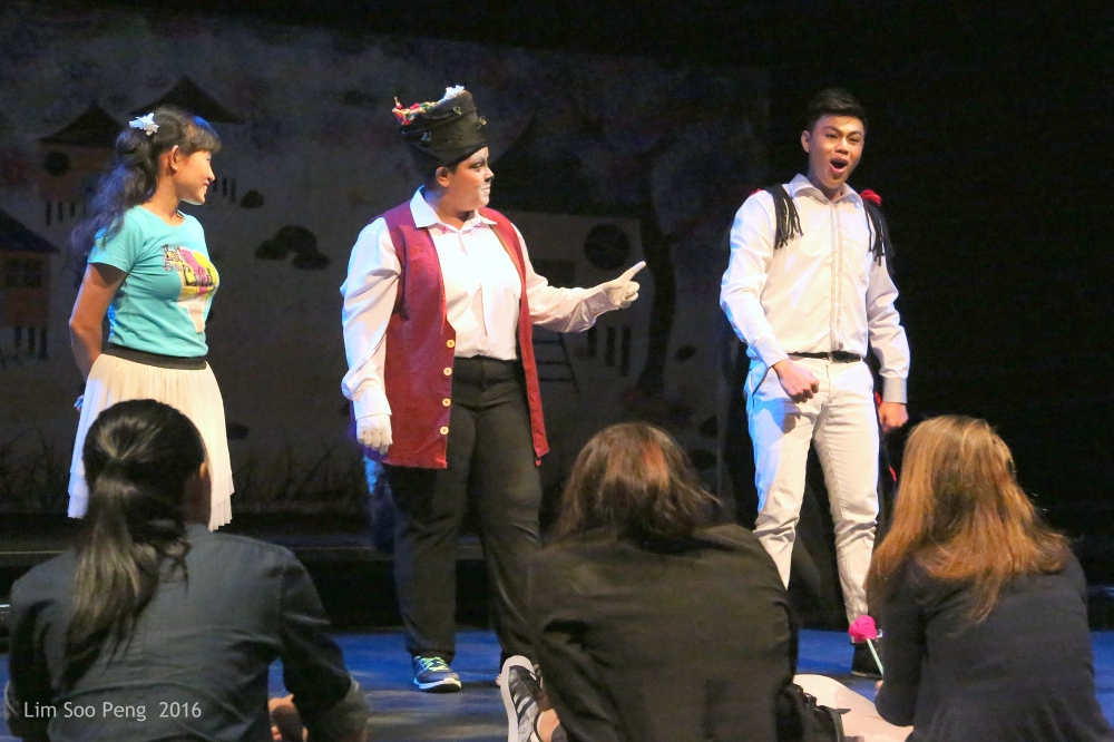 """""""The Day I Met The Prince""""  the USM's Children Theatre in English ~ Part 8"""