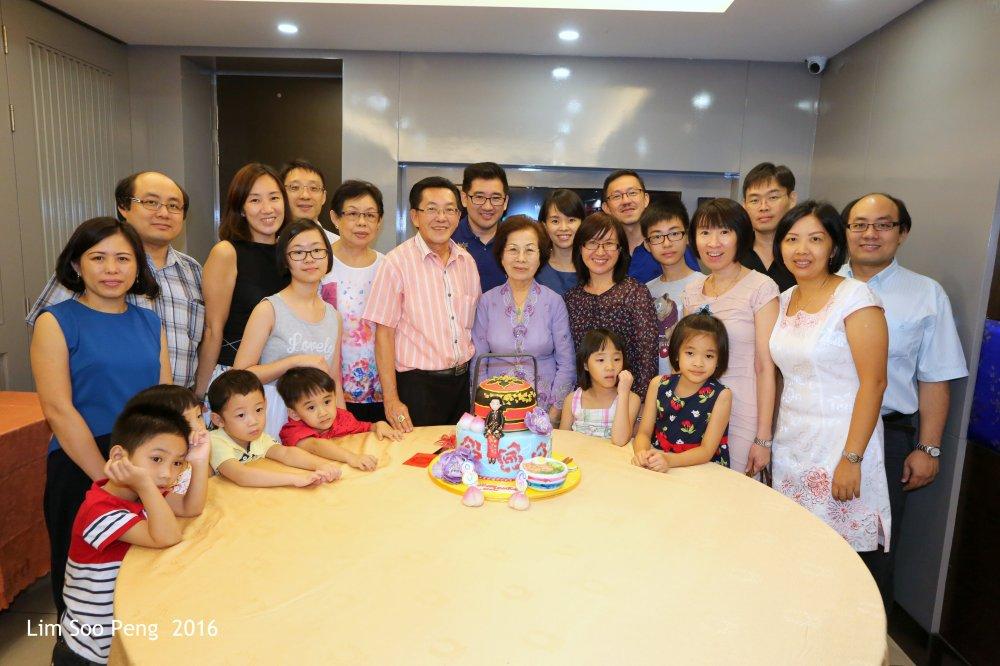 Mum's Birthday 5D 092