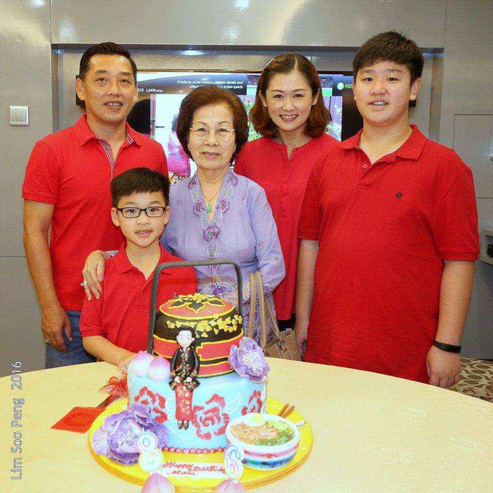 Mum's Birthday 5D 098