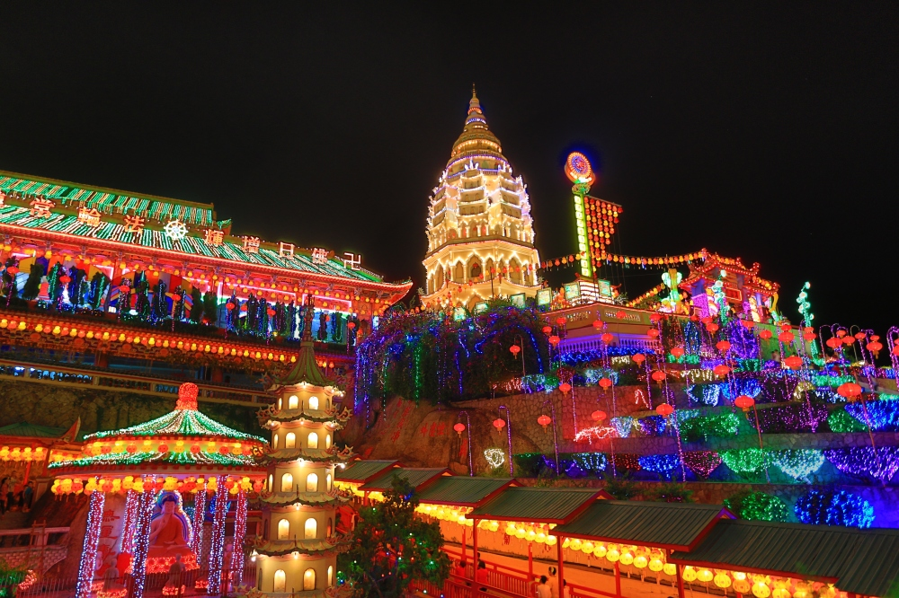 Kek Lok Si by Night during Chinese New Year.