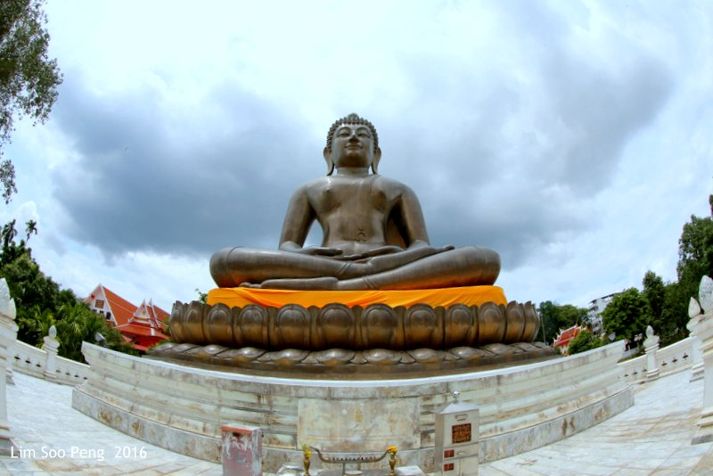 Phra Mahathat Chadi Phra Phutthammaprakat, Betong, Thailand ~ The Buddha