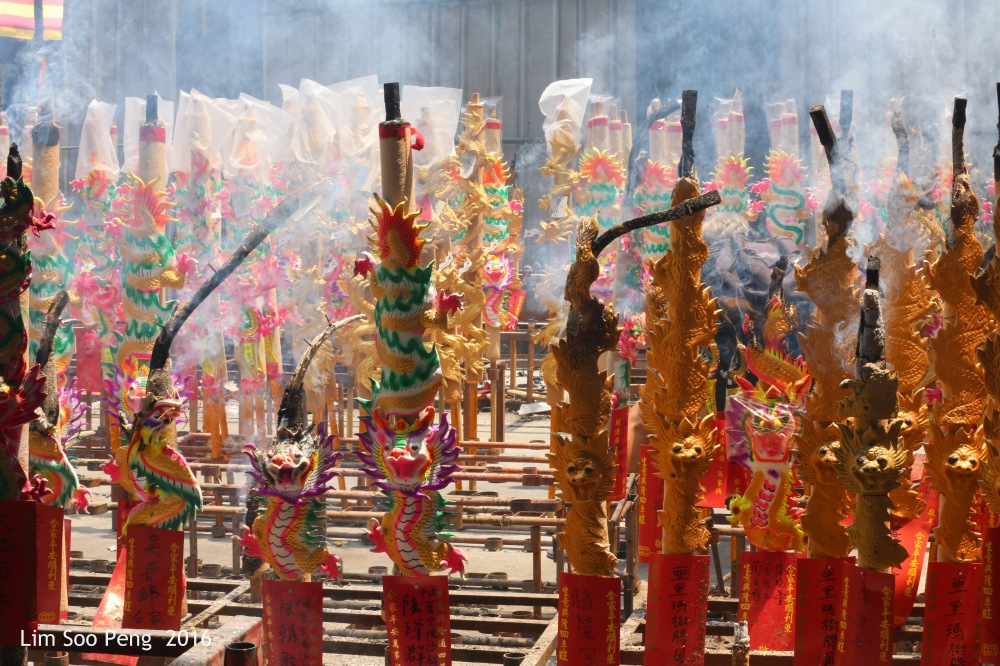 """The Second Biggest Tai Soo Yah Image in Malaysia, is at Bukit Mertajam at 27 feet in height. """" Offering of Dragon Joss Sticks """""""