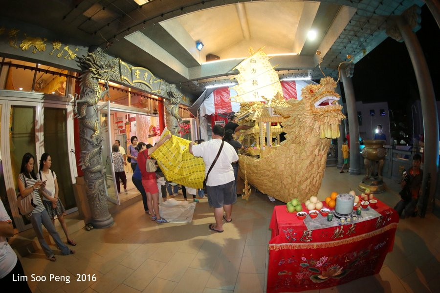 Sian Chye Tong's Annual Filial Piety Celebration during the Hungry Ghost Festival ending on Saturday, 27 August, 2016 ~ Part 2