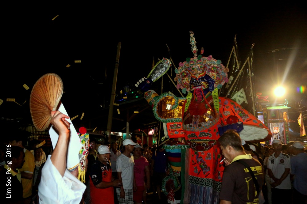 Tai Soo Yah at Lim Jetty, Weld Quay, Penang – Final Night, Part 3 ~ The Procession around the Kuan Yin Temple