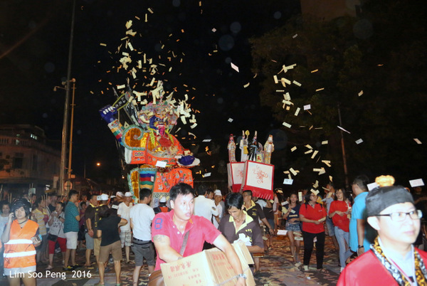 Tai Soo Yah at Lim Jetty, Weld Quay, Penang – Final Night, Part 3 - The Procession to Kuan Yin Teng and back again.