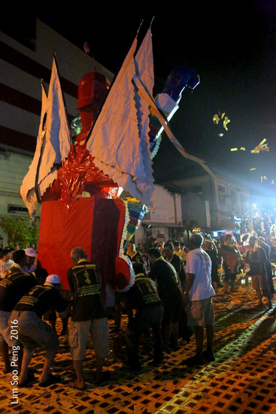 Tai Soo Yah at Lim Jetty, Weld Quay, Penang – Final Night, Part 4 - The Procession back for burning.