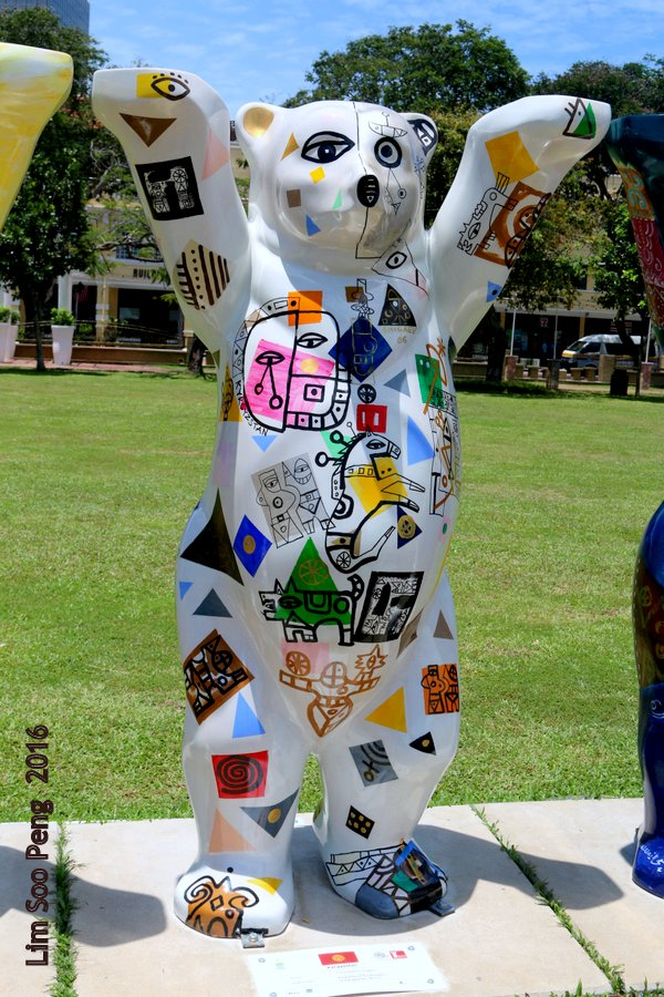United Buddy Bears Penang at Esplanade - Here come the Bears.