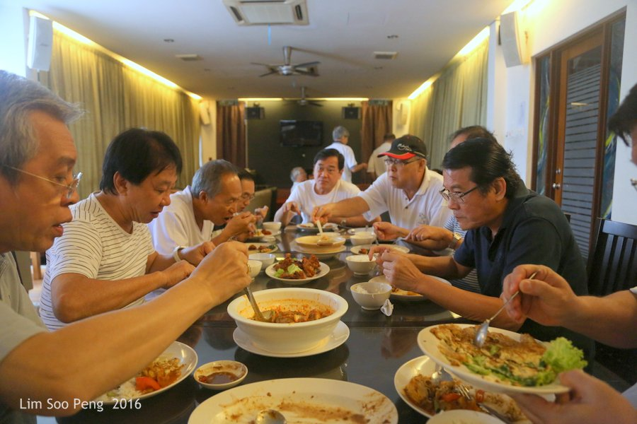 Appreciation Lunch for Hock Eng - our Class of 1964 to 1970 Taikor or Head Boss. Good food with Curry Fish Head, Belachan Chicken, Assam Prawns, Foo Yong Eggs, etc.