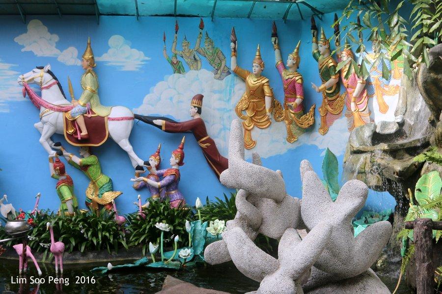 At the Dhammikarama Burmese Buddhist Temple of Penang.