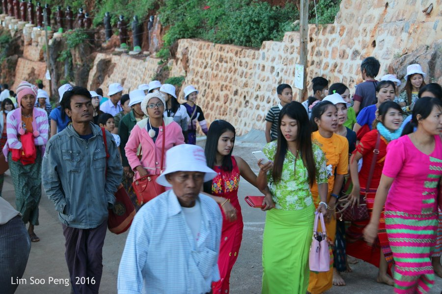 Day 2.18 – Pindaya Caves of Pindaya, Shan State, Burma (Myanmar) -Even as we were leaving, more Burmese visitors were arriving as today is a significant day of the super full moon of November 2016.