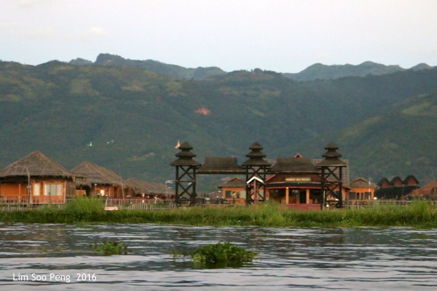 Day 3.11 Reaching the Hotel at Inle Lake ~ Is this the Hotel?